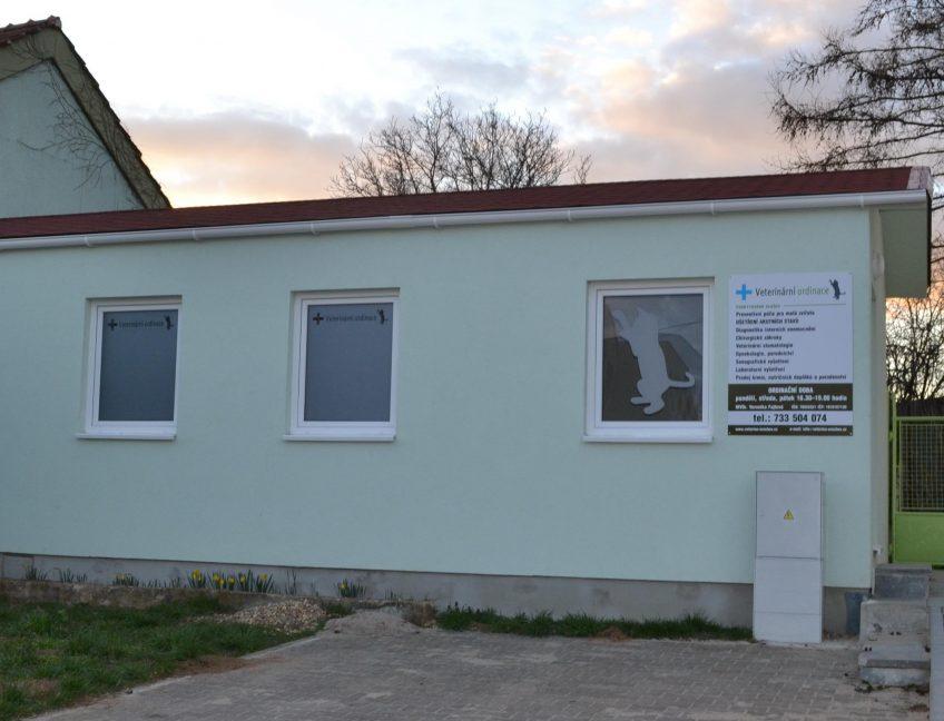 Domek 4×10 veterinární klinika
