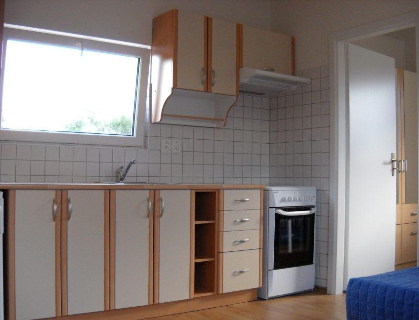 Domek 4×11 kuchyně1