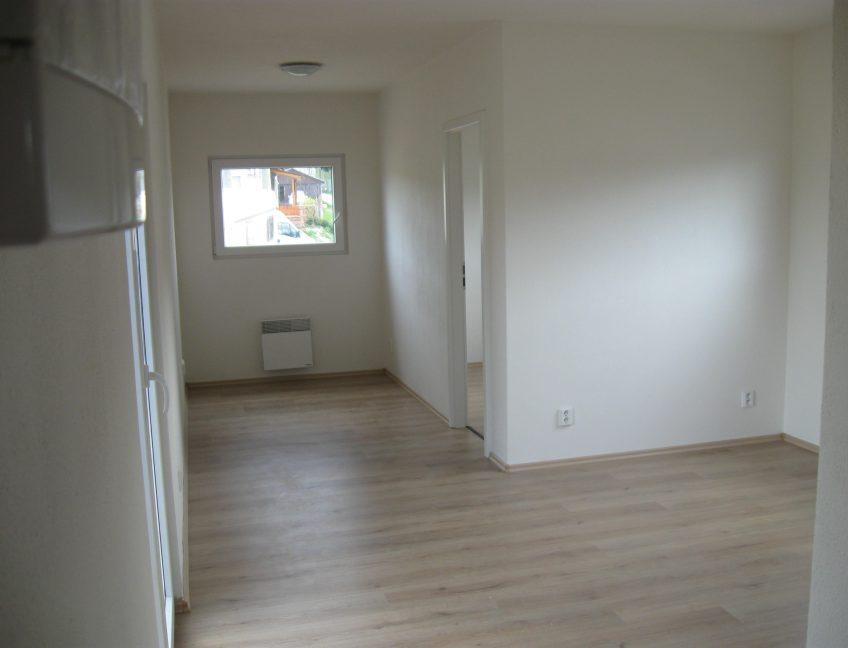 Domek 4×12 obývací pokoj